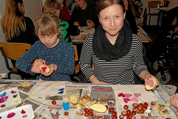 I Laden er der aktiviteter med blandt andet kartoffeltryk. Foto: Niels Helver