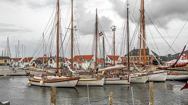 71 træskibe i havn og klar til afgang tirsdag morgen. Foto: Mogens Lynge