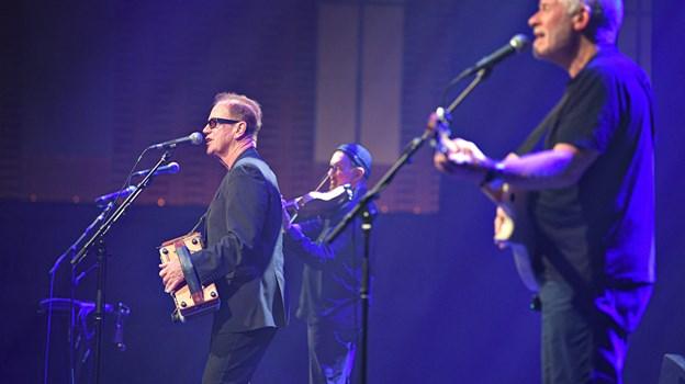 Hvordan overlever man 40 år i musikbranchen? Gift dig med en velhavende kvinde, svarer Ian Telfer de unge musiker.   Foto: Bent Bach. BENT BACH