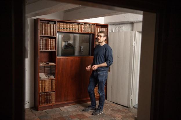 I 0'erne kunne det nærmest ikke blive digitalt nok, så selv Middelalderen er nu til at bladre rundt i på skærm - og det er der faktisk rigtig mange, der benytter sig af under besøgene. Foto: Henrik Louis HENRIK LOUIS