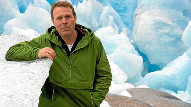 Mikkel Beha Erichsen lovede, sidste gang han var i Frederikshavn, at han ville komme tilbage, og det løfte indfrier han i marts næste år. PR-foto