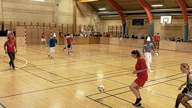 Sidste skoledag bød også på fodboldkamp. Privatfoto Allan Mortensen