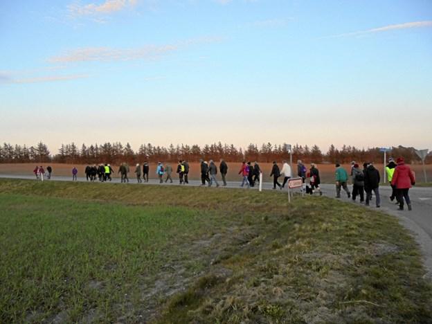 Deltagerne ud på en større vej.Privatfoto