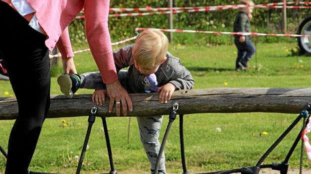 Undervejs var der lige en forhindring der skulle klares. Foto: Hans B. Henriksen Hans B. Henriksen