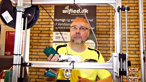 Tommy Høj fra Høj Data i Hirtshals har aftalt med Portnord om at åbne et posthus i butikken.   Arkivfoto