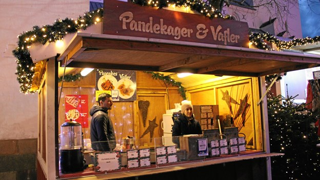 Pandekager & Vafler spreder julestemning og en skøn duft af søde pandekager i julebyen på Gammeltorv. Foto: Pauline Vink