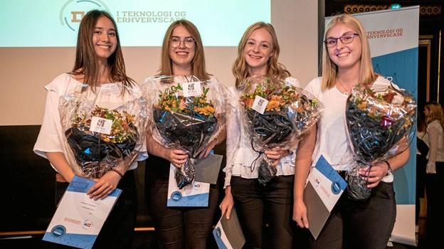 De fire kvindelige elever i finalen på Ungemessen ZOOM IND mandag 1. oktober vandt supersikkert i front.