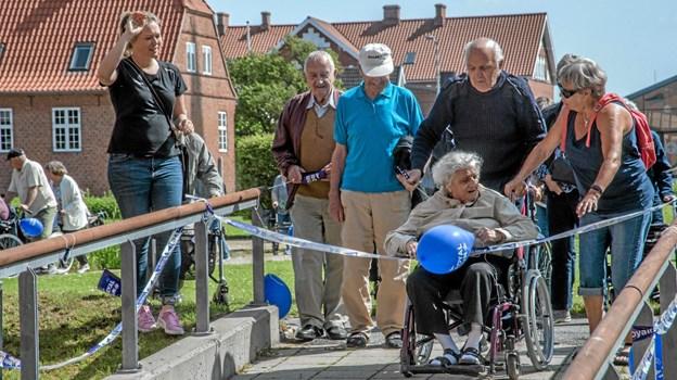 Beboerne er tilbage på plejecentret, hvor mållinjen brydes. Foto: Mogens Lynge Mogens Lynge