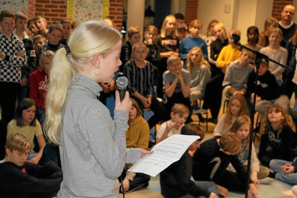 Lykke Raavig Sanderhoff fra elevrådet holdt tale ved indvielsen. Privatfoto