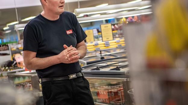 Lennart Christensen har været uddeler i Brugsen i Skarp Salling de sidste 22 år. Foto: Martin Damgård