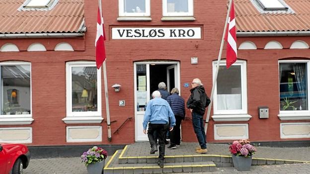 Middagen blev serveret på Vesløs Kro. Her bliver der serveret mad som i gamle dage. Foto: Niels Helver Niels Helver