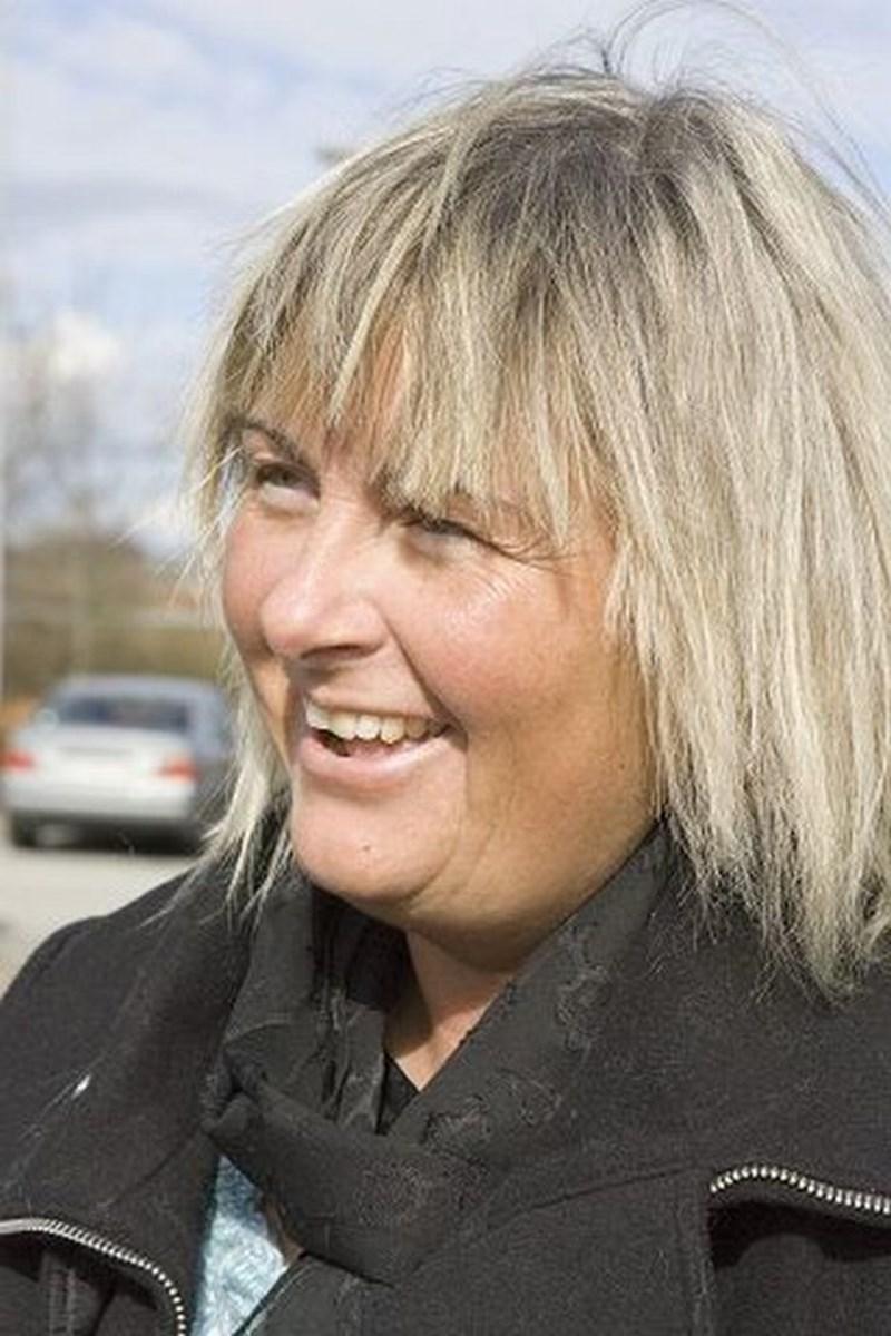 Linda Eifos, Skagen -Jeg er ikke medlem nogen steder. Men jeg giver, når de kommer med bøssen, og så er jeg organdonor.