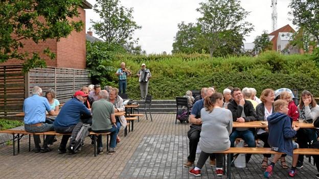 Morgenkaffe, rundstykker og musik lørdag formiddag. ?Foto: Jesper Bøss Jesper Bøss