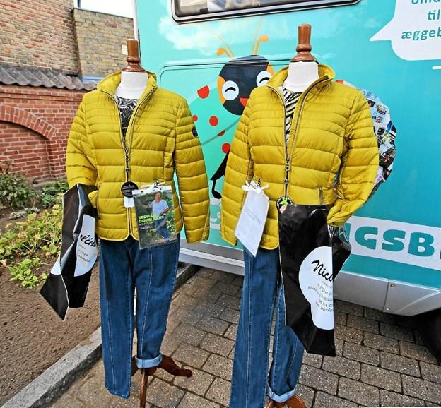 """De miljøvenlige jeans lavet af bomuld blandet med genbrugsmateriale var udstillet i forbindelse med """"Balloon Night"""" forleden. Foto: Jørgen Ingvardsen"""