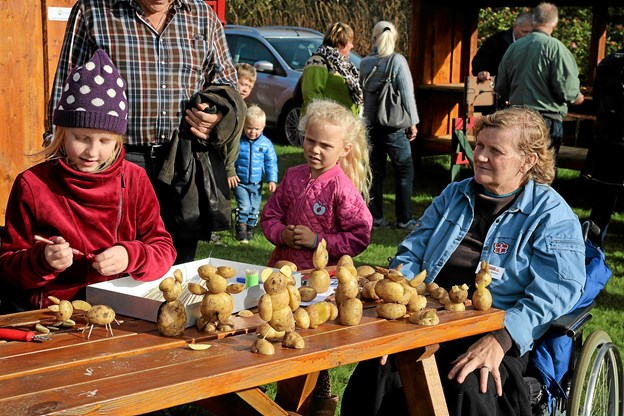 FDF Aaby-Vedsted var også til stede og lavede kartoffeldyr sammen med gæsterne.