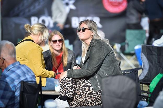 Solen var ganske rar ved publikum lørdag, hvor det var et par grader varmere. Foto: Ole Iversen