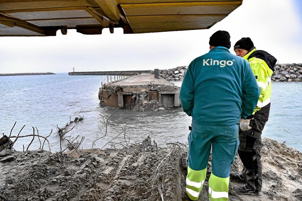 Toppen af den første sænkekasse af de 14 sænkekasser, er her blevet fjernet.Foto: Ole Iversen