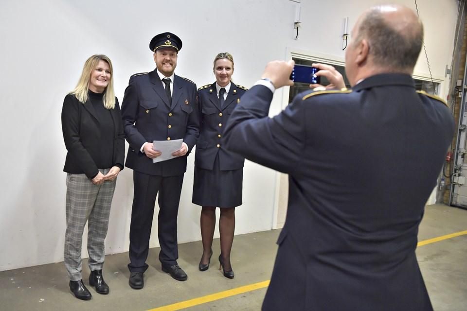 Søren Andersen flankeret af borgester Birgit S. Hansen og beredskabsdirektør Diana Sørensen. Foto: Bente Poder