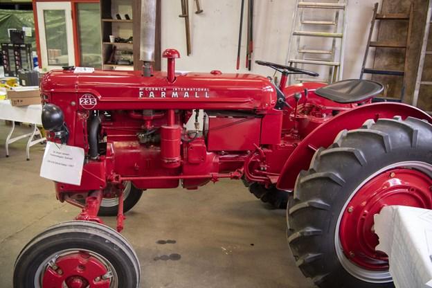 Gamle traktorer i fremragende stand som denne ældre sag fra 1957.  Foto: Kim Dahl Hansen Foto: Kim Dahl Hansen