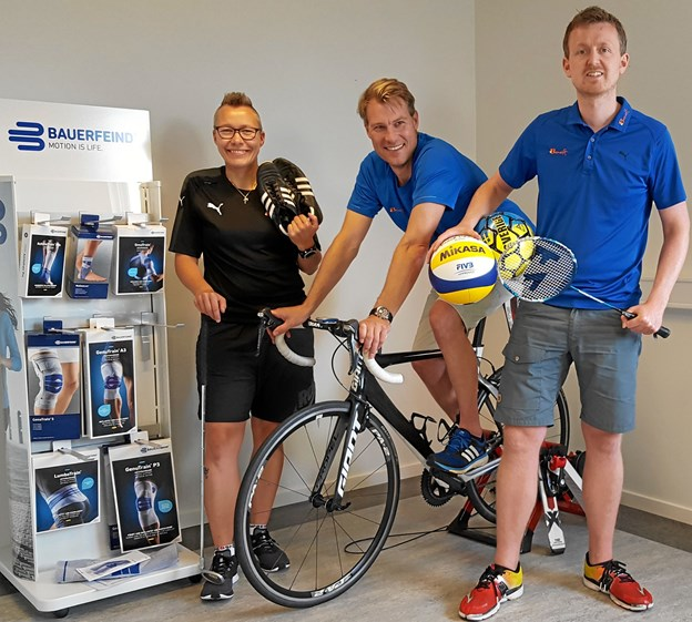 Fysioterapeuterne Thomas Kjems Juhl, Morten Østergaard og Mette Brodersen driver Idrætsklinikken. Privatfoto