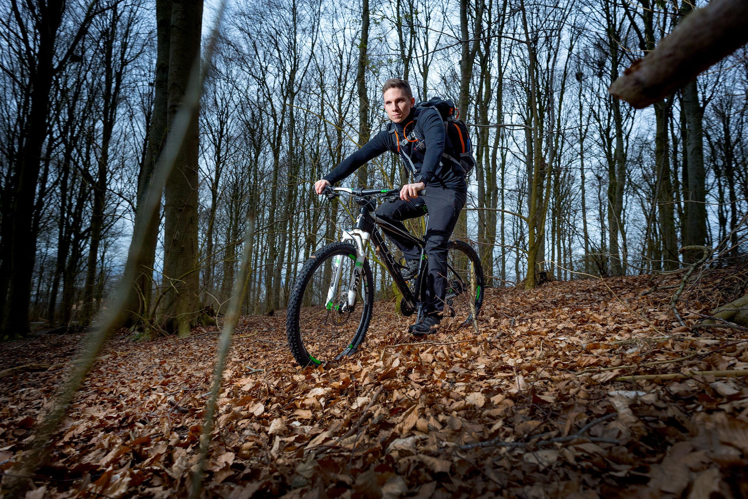Mark Holler på mountainbike i Mølleparken. Foto: Torben Hansen