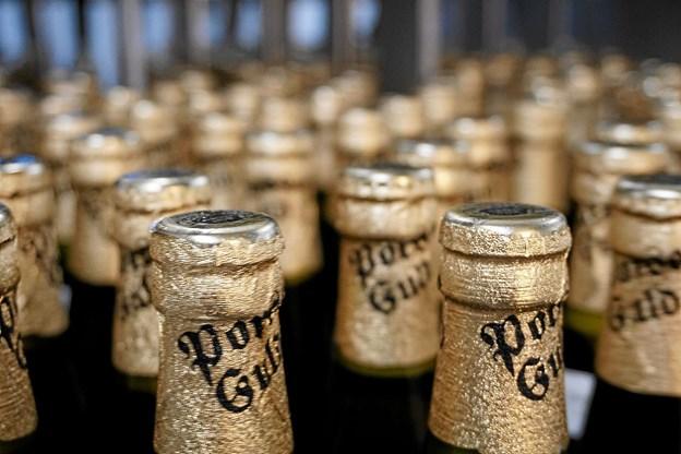 Sommerens VM og tørst kræver iskold øl i rigelige mængder. Nu er verdens CO2 lagre ved at løbe tør. Det kan betyde mangel på CO2 på Thisted bryghus i løbet af en uge. Foto: Thisted Bryghus. Foto: Ole Iversen