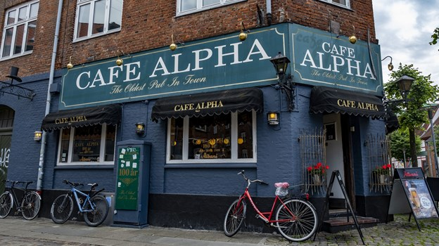 Café Alpha fylder 120 år, og det skal selvfølgelig fejres. Foto: Lasse Sand