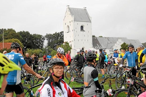 Første år LandsbyLØBET blev gennemført var i 2017 hvor 2.500 deltog over otte tirsdage. I 2018 var antal at starter øget til 3.200. Tommy Thomsen