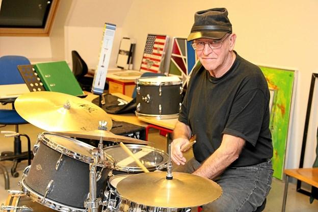 Vagn Lynggaard sørger for trommerne. Foto: Flemming Dahl Jensen