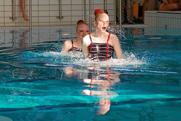105 svømmere i alt var med til det store stævne. Her to fra Thy. Privatfoto Ole Iversen