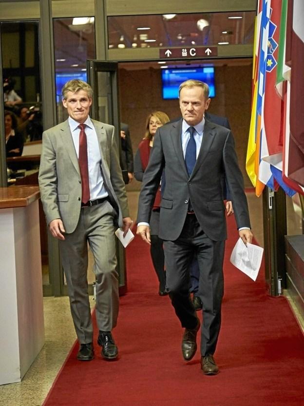 Preben Aamann (tv.), talsmand og politisk rådgiver for EU's præsident, Donald Tusk (th.) kommer til Hobro 26. april.