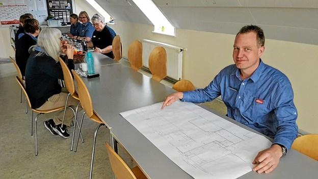 Uddeler Henrik Gade Johansen fortalte om foreningens hidtil største byggeprojekt. Foto: Karl Erik Hansen