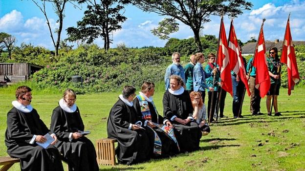 En topvellukket Pinsegudstjeneste - lyder det fra præsterne. Foto: Hans B. Henriksen Ole Iversen