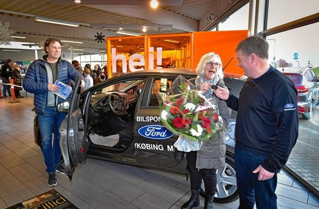 Der lød et hyl, da Karin drejede nøglen: Hun vandt en bil - og en anden stor gevinst