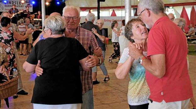 Den sidste dans er danset til Bindslev Harmonikatræf. Det 35. træf var det sidste i sin nuværende form. Foto: Niels Helver