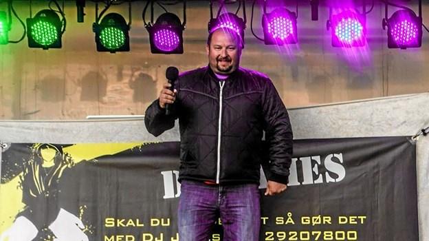 DJ James alias James Møller Kousholt er blandt de mange frivillige om Sæbys Knæk Cancer eventen. Foto: Privat
