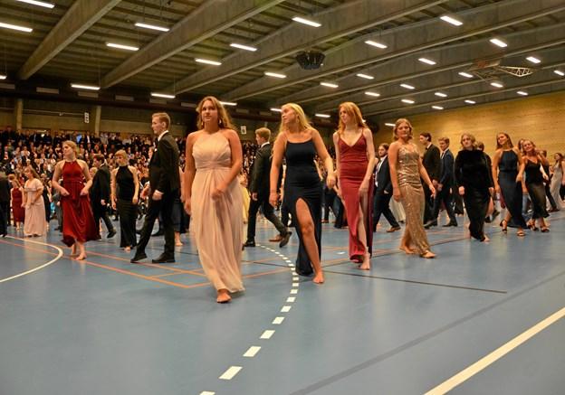 Eleverne havde i flere uger op til gallaaftenen øvet sig på at danse lanciers. Privatfoto