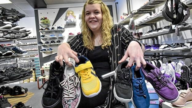 Små futter fortjener gode sko, Jannie Kold Nielsen, Tops Juul Sko sætter i uge 13 fokus på de gode sko til børnefutterne. Der er gode præmier til de heldige.Foto: Ole Iversen