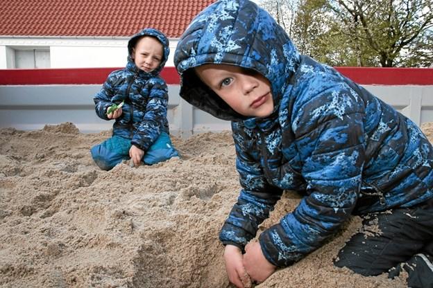 Frits og Vito i fuld med at grave guld. Foto: Peter Jørgensen Peter Jørgensen