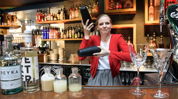 Da Karoliina Pekkala flyttede til Skagen for et år siden foreslog hun ansatte i Jakobs Bar et kursus i cocktail og nogle måneder senere blev hun tilbudt en helt ny Cocktailbar længere nede af Havnevej. Peter Broen