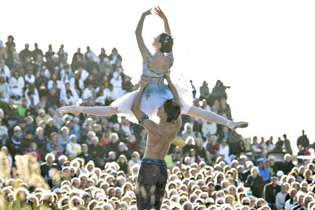 Verdensballetten startede i Skagen ved den Tilsandede Kirke og i 2018 så over 16.000 publikummer Verdensballettens ni forestillinger fordelt over hele landet.  Arkivfoto: Henrik Louis