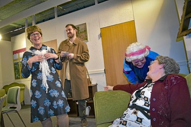 Masser af godt grin i årets forestilling: Frøken Fryds Banko.Foto: Ole Iversen Ole Iversen