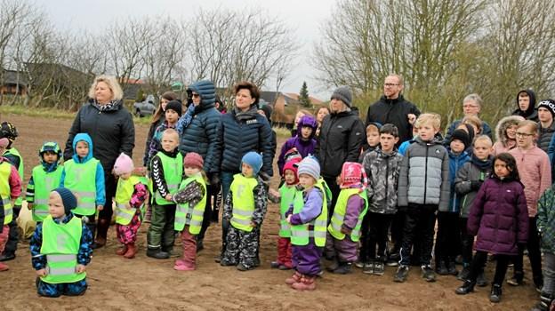 Der var børn fra Brovst børnehave og vuggestue og 2., 3, og 5 klasse fra Brovst skole. Foto: Flemming Dahl Jensen Flemming Dahl Jensen