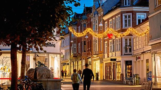 280.000 pærer kommer til at lyse midtbyen op - når den nye julebelysning bliver tændt 16. november.Foto: Aalborg City