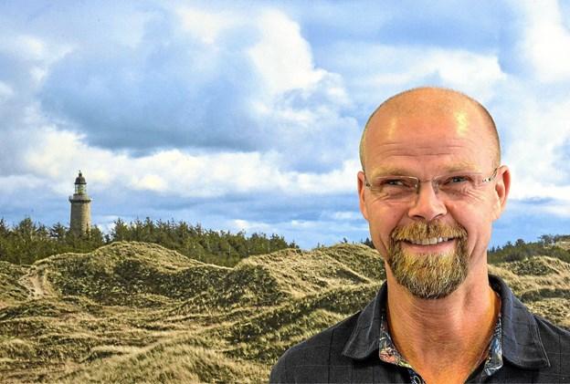 Niels Kjelstrup og en stribe fagfolk er klar til sommerhus dag i Kulhuset i Krik lørdag 8. september kl. 10.00 Foto: Ole Iversen