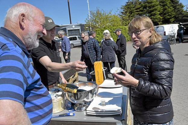 KYST var klar med friskoplukkede østers og champagne Den Gule Enke til. Foto: Ole Iversen Ole Iversen