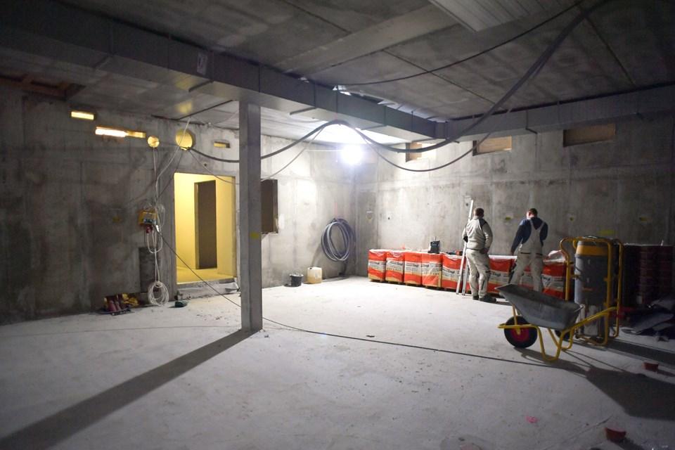 Der bliver arbejdet på højtryk for at skabe det nye badehotel. Foto: Claus Søndberg Claus Søndberg