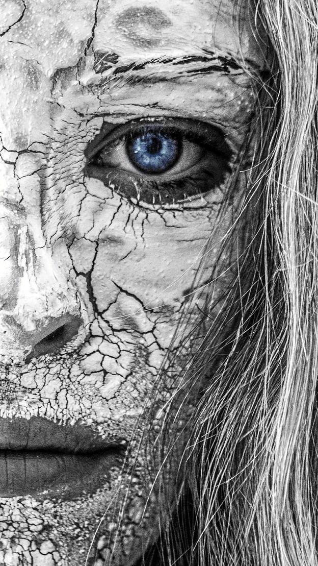 """""""Blue Eye"""" er et af de fotos, som kan opleves på udstillingen, der åbner fredag d. 9/11 kl. 15.30. Foto: Gert Valgren"""