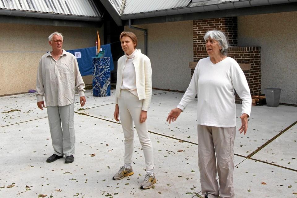 Alle roller blev spillet af Lars Olsen, Katharina Bramsing Bach og Birthe Rosenfeldt.Foto: Jørgen Ingvardsen Jørgen Ingvardsen