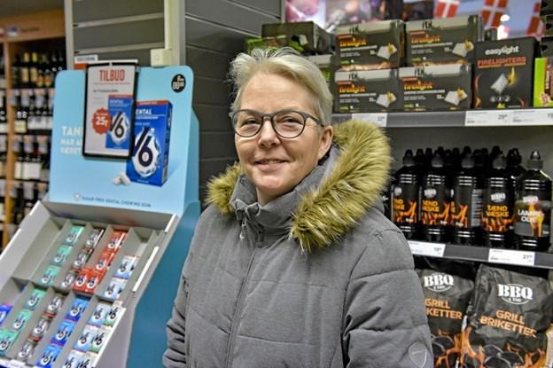 Jytte Christensen, Heltborg: Det er træls. Vi har discount nok i Hurup. Det er synd for byen. Jeg vil da handle i den nye Netto, når den kommer. Men ville helst have beholdt MENY med egen slagter og delikatesse.Foto: Ole Iversen Ole Iversen